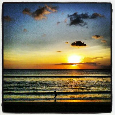 Cantiknya Pantai Seminyak Android AxiooPicoPad Sunset PantaiSeminyak TheRoyalBeachHotel Bali