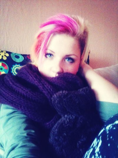 Blue Eyes And Pink Hair❤