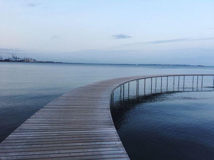 Runder Steg bei Aarhus Beach Sea Water Aarhus, Denmark Tranquility Piers