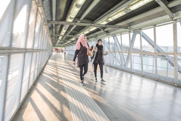 City Life Cityscape Embrace Urban Life Italy Lombardia Milan,Italy Milano Passenger Boarding Bridge People Women