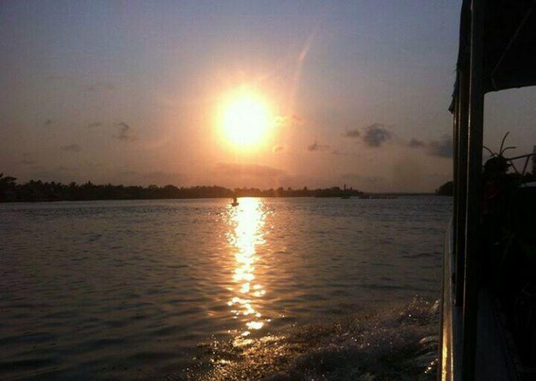 🌅 Sunset At Harbor