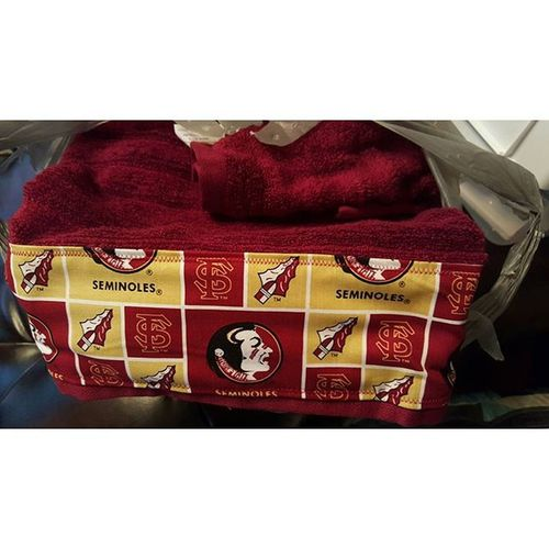 It was nice of my 2nd Mother in Law to make me FSU towels even though she's a UF fan lol.