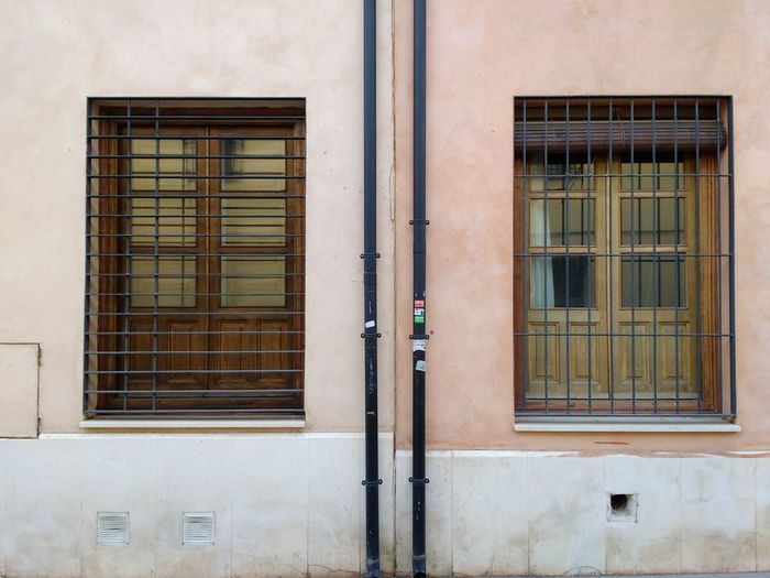 Window Building Exterior Built Structure Architecture No People Outdoors Day Almost Symmetrical Same Same But Different The Architect - 2017 EyeEm Awards Neighborhood Map Places Of Alcalá De Henares The Graphic City