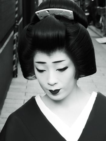Beautiful Woman Most Beautiful Woman Monochrome Light And Shadow Street Photography Shades Of Grey EyeEm Best Shots - Black + White Japanese Style Japanese Culture Japan Photography Japan Gion Kyoto Portrait Black And White Portrait