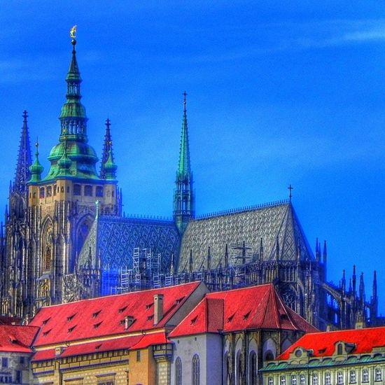 Prag Praha Castle Slott moln himmel sky cloud building byggnad skyporn skyviewers cloudporn Europe europa