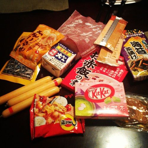 Kanagawa goodies from John P.and Emmi-san. Hearing the hubster speak Nihongo was a treat.