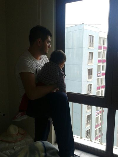 Kizim babasiyla yagmurr izlersee♥
