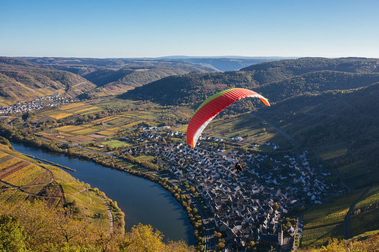 Paragliding Parachute Mountain Scenics - Nature Adventure Extreme Sports Mid-air Flying Idyllic Freedom Outdoors Sport Paragliding Paraglider Mosel Mosel River In Germany Mosel Valley Moseltal Germany GERMANY🇩🇪DEUTSCHERLAND@ Aerial View