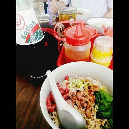 Lunch Pork Haram Khas Siantar Miepangsitbabi Miepangsitbabisiantar Porknoodle Badak Badakdrink Cikarang Lippocikarang Missmyvillage Instaindonesia Instafood Indonesianfoods