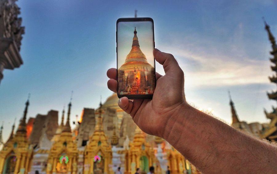 Taking photos in Myanmar shwedagon pagoda Photographing Smart Phone Photography Themes Wireless Technology Mobilephotography Mobile Phone Sumsung Pagoda Shwedagon Pagoda Myanmar Travelling Photography