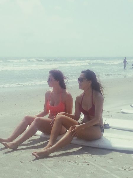 beach bummin. Surfing Bestfriends