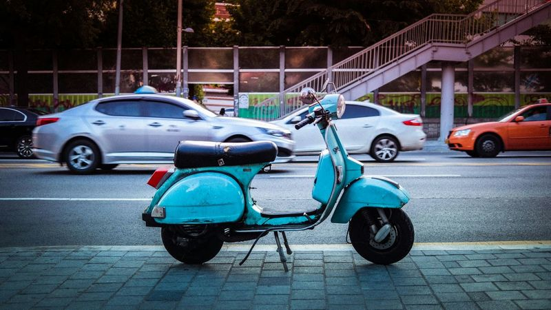 Walking Around Vintage The Street Photographer - 2015 EyeEm AwardsScooter Streetphotography Street Eye4photography  EyeEm Best Shots Simplicity EyeEm Korea