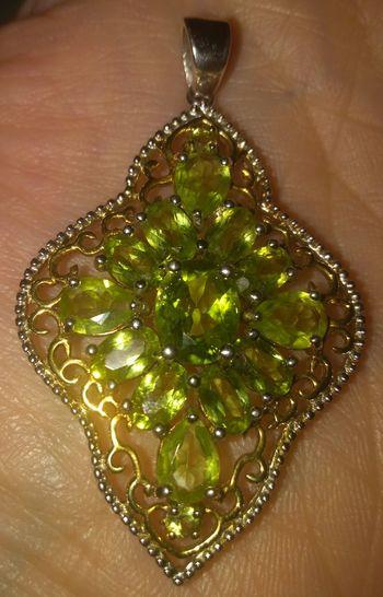 Peridot Green Color Gemstones Gem Gemstone  Christmas Decoration Christmas Tree Celebration Backgrounds Close-up Semi-precious Gem Precious Gem
