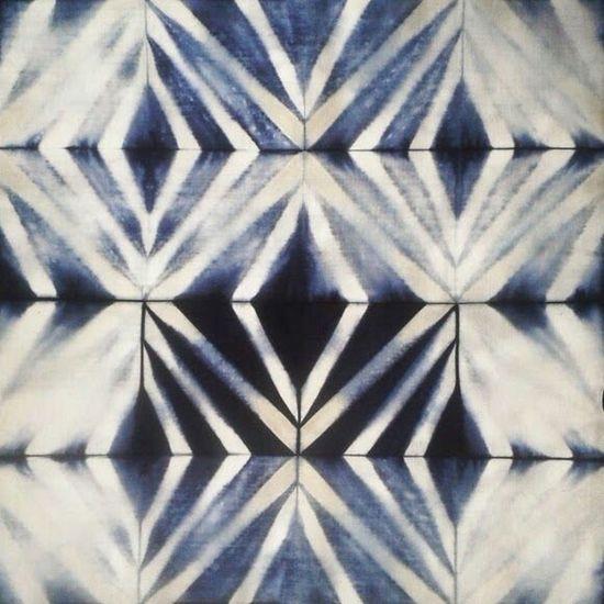Pretty Shibori pattern... DIY Getting Inspired Fabrics Beautiful Tie Dye