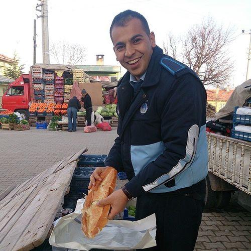 Adam tek başına yağlı ekmeği götürüyor. Yakupcetincom Ahırlı Konya Ahirli