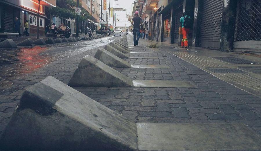 Caminando Caracas Streetphotography Street Life VSCO Vsco_hub Caracas City Venezuela The Street Photographer - 2015 EyeEm Awards Adapted To The City