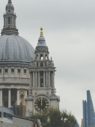 Midday Clock Face Cathedral St.Pauls Cathedral Gloomy Sky