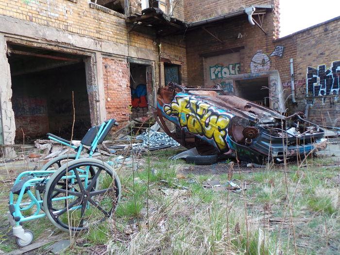 Rusty Car Car Old Rusty Car Auto Rollstuhl Wheelchair Graffiti Leipzig Meinautomoment
