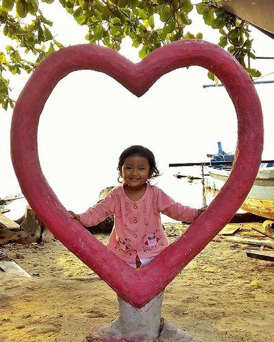 Love my baby Mybaby Mytrip MyAdventure BeautifulIndonesia Photography Photooftheday Kofipon Infinixhotnote Pulaupari Funny Cantik Love Lovely