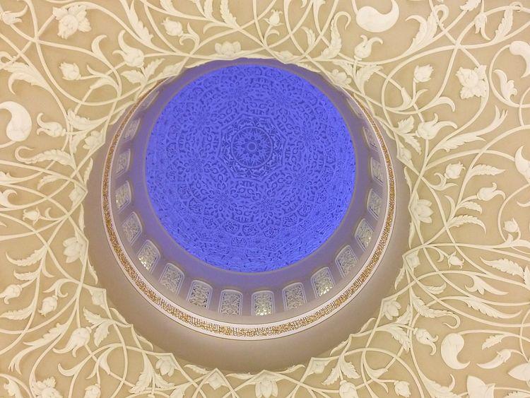 Ceiling Detail at Sheik Zayed Mosque, Abu Dhabi. · United Arab Emirates UAE Sheikh Zayed Grand Mosque Decoration Up White Blue