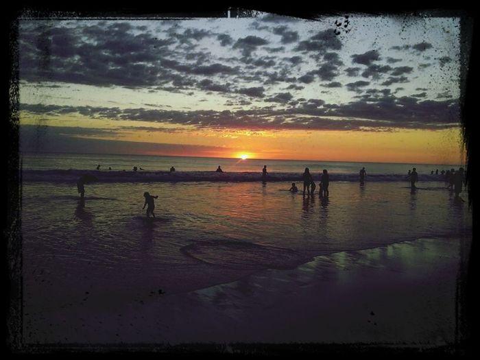Hermoso atardecer en las hermosas playas de Puerto Arista Playa Puerto Arista