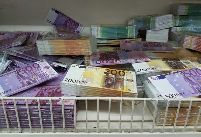 For Sale Environment Industrial Photography Recycling Backgrounds Background Money Fake Money Euro 500 Euro 200 Euro Business Finance And Industry Finance And Economy Economy Finanzen Moneyshot Business Banking Coruption Mafia  Corrupt