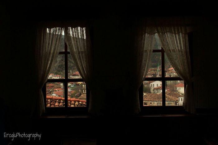 Pencerenin içindeki manzara... Taraklı Turkey Amateurphotography Amateurphotographer  Canonphotography Canon600D Window Kasaba