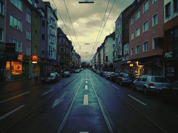 Good morning Cologne 🙌 Have a blessed first Advent! 🎄 Cologne Earlybird Cityview Koelnergram Zülpicherstraße Firstadvent Zufrüh Waytochurch @koeln_de @koelnergram Streetphotography Urban UrbanART Urbanphotography