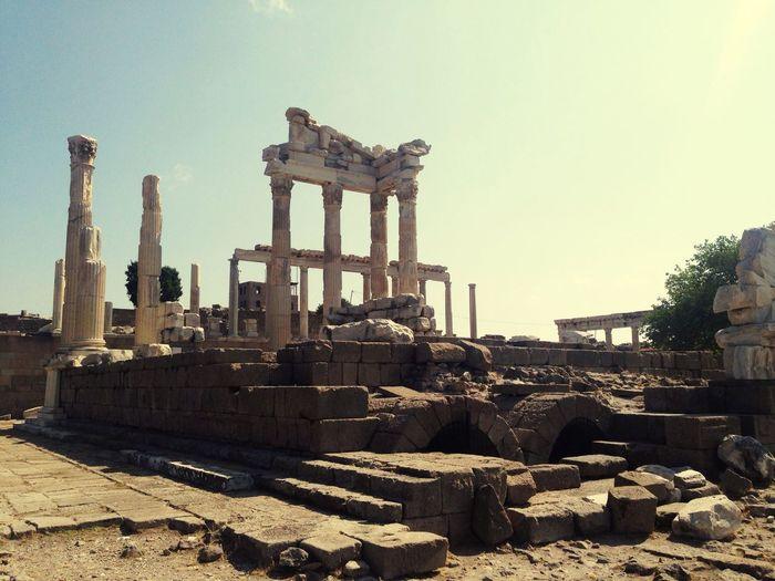 Akropolis Tample Of Trajan