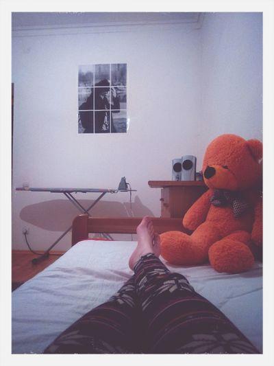 Теперь с моей кровати открывается прекраснейший вид ^_^ кровать плакат моя комната