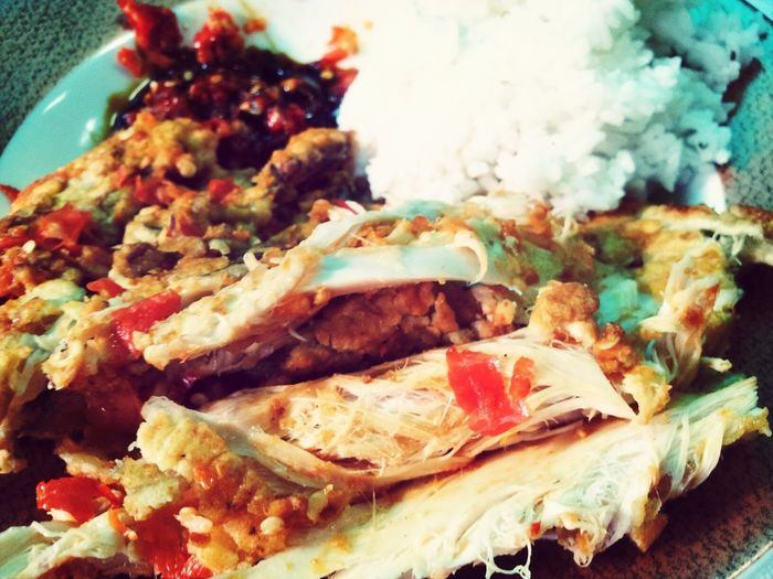 semacam makanan favorit ala cheffff wingga:D Ayamgeprek Food Photography Indonesian Food Happy Lunch
