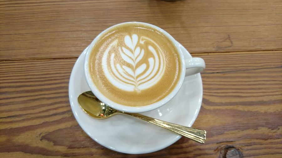 EyeEm Selects Coffee - Drink Coffee Cup Drink Latte Food And Drink Cappuccino Froth Art Table Refreshment Cafe No People Indoors  Freshness Close-up Coffee ☕ Coffee Lover Coffee Time Coffeeholic Coffee Culture Coffeebreak Food And Drink Coffee Mug Coffee Table