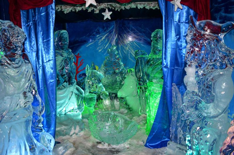 Presepe di ghiaccio No People Multi Colored Water Indoors  Close-up Day Winter Glass Iceland Ice Age Iceberg Ice Crystal Ice Cubes Presepe Di Ghiaccio Ghiaccio Italy Business Finance And Industry Urban Skyline Outdoors Crowded Built Structure Residential Building Community Landscape City