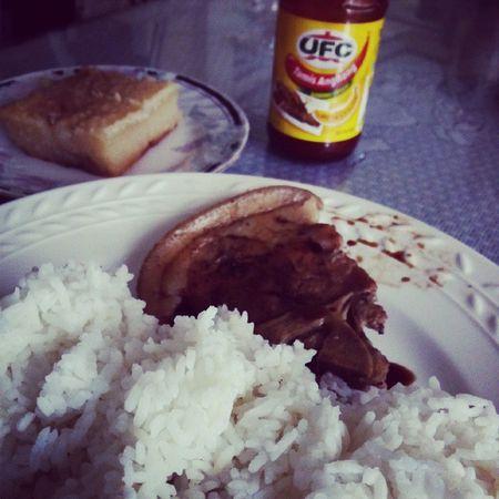 lunch npoh :) thestormisovur.. thesunshinesupagen.. ?? Wickedwednesday Porkchop Casavacake Houserepairs pinapagandakobahaynamen