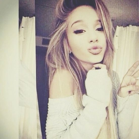 Arianna Grande Love ♥ Kiss ♥ ♥ ♥ ♥ ♥ ♥ ♥ ♥ ♥ ♥ Butefuil Style ✌ Perfect .lovelySexygirl