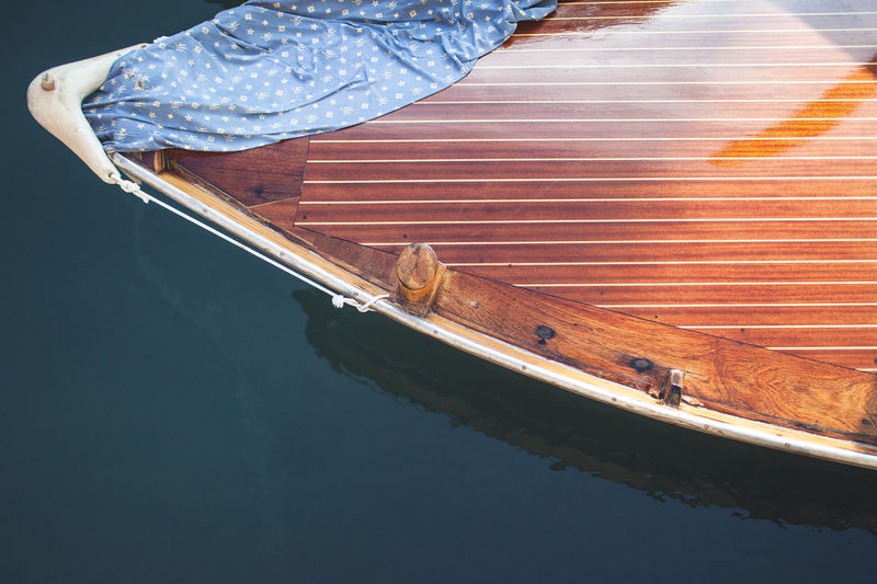 The Italian series / Canon 5d / 35mm Animal Animal Themes Animal Wildlife Animals In The Wild Day High Angle View Lake Mode Of Transportation Nature Nautical Vessel No People One Animal Outdoors Reflection Transportation Vertebrate Water Waterfront Wood - Material