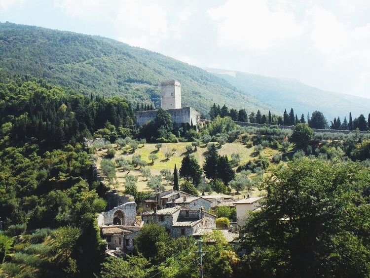 High Angle View Building Exterior Mountain Green Color Nature Outdoors No People Medieval Architecture Italy Assisi