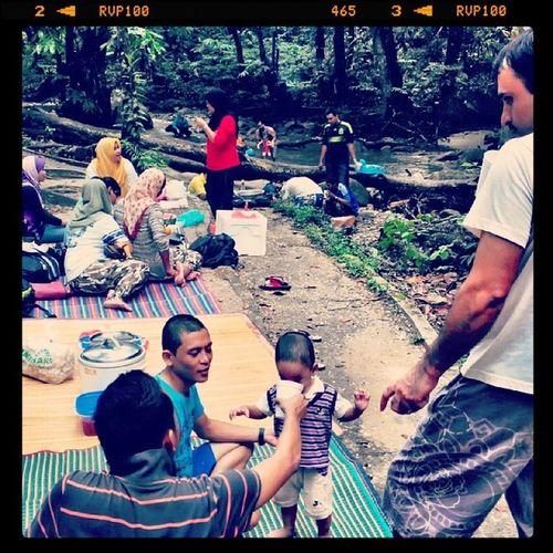 Having fun with them. Konvoiatsungaicongkak Bestgiler