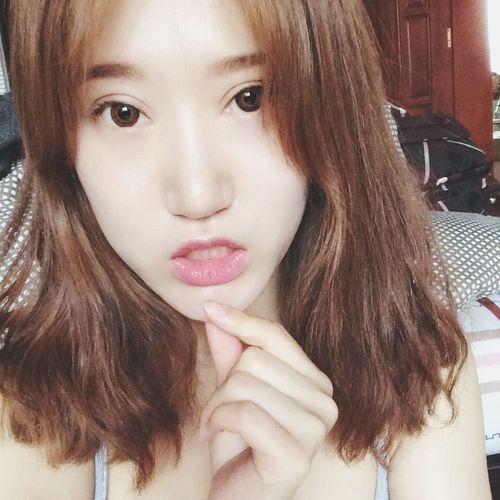 Hello World Enjoying Life hiii~ That's Me