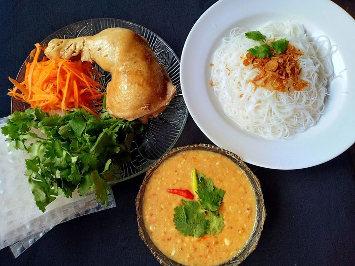 Salad roll Delicious Yummy Thai_Isan Thaifood Isanfood Diet Thaicooking Spicy Food Thaimenu Thaiculture Fooddesign Source Salad Egg Yolk Plate Directly Above Table Fried Egg Close-up Food And Drink Vegetable Soup Greek Salad