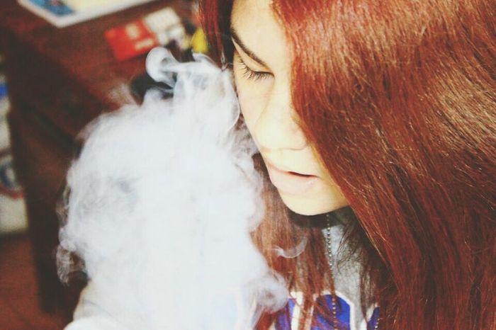 Smoke Cigarrete Enjoying Life Relaxing Good Vibes ✌