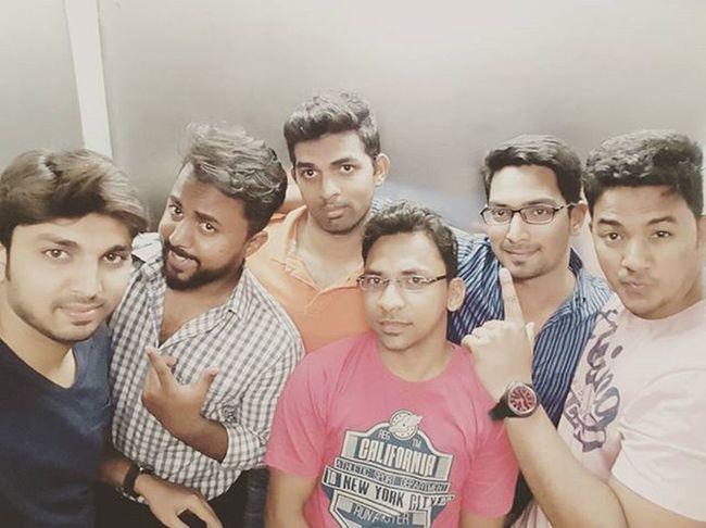 Yeah No1 Yaari Hai.....Hyderabaddiaries Vuelounge Friendstime Dostihamari👌🏻 Fun Awsmmm Friendship Enjoyinglife  Enjoyedalot @mohdomer29 @syedjunaiduddin @gulam_hyder @mirza.arshadbaig3 No1yaari @minhaj677