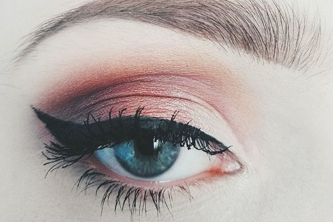 I love the power of makeup💄 I would love to do my makeup everyday like this😅Human Eye Eyelash Eyeshadow One Woman Only Portrait Beauty Eyebrow Women Makeupartist Makeup Makeupaddict Eyeshadow Makeup Of The Day Girlpower