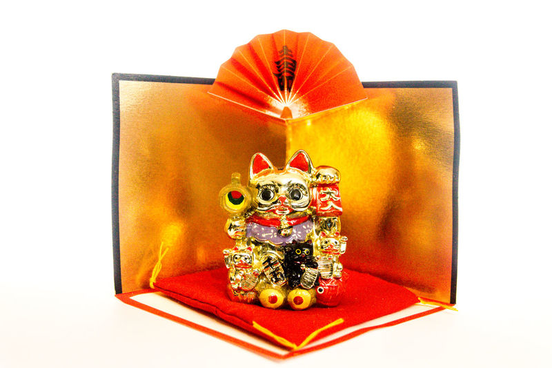 Byobu Cat Close-up Cultures Cushion Fan Fortune Gold Gold Screen Happiness Happy Image Japanese  Japanese Culture Maneki-neko Money New Year Around The World Objects Praying Red Ultimate Japan 43 Golden Moments Feel The Journey Still Life Zabuton