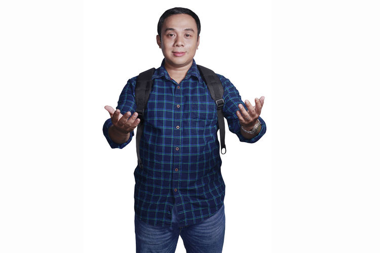 Adult Adults Only Casual Clothing Copy Space Day Front View Handsome Human Body Part Human Hand Looking At Camera Men Mid Adult One Man Only One Person Only Men People Portrait Real People Standing Studio Shot White Background Young Adult