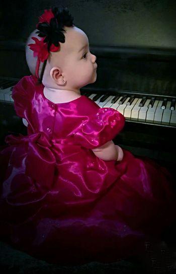 Piano Moments Baby Piano Pose