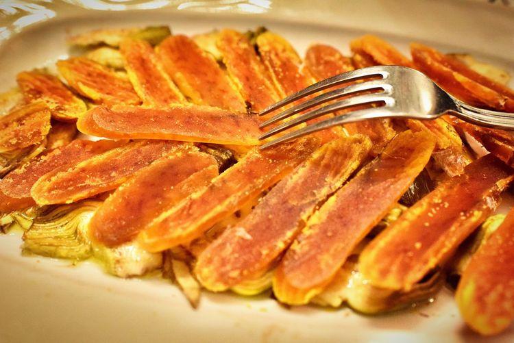 Carciofi di Sardegna e bottarga サルデーニャに行くと必ず食べる大好きな一皿 シンプルに素材の味を楽しめる料理です 盛り盛りのカラスミが最高です https://www.peperosso.co.jp/ #CarciofidiSardegnaebottarga #Carciofiebottarga #sardegna #antipasto #bottargadimuggine #三軒茶屋 #イタリアン #レストラン #ペペロッソ #ランチタイム #ランチデート #贅沢ランチ #パスタランチ #昼飲み #昼からビール #昼からお酒 #昼からワイン #ディナー #ディナーデート #晩御飯 #ディナータイム #ディナーコース #イタリア #イタリアン #イタリアン🇮🇹 #イタリア好き #三軒茶屋イタリアン #イタリア郷土料理店 #パスタ #手打ちパスタ https://shop-italia.jp/author/28/ からすみ Still Life Indoors  Food Close-up Food And Drink No People Plate Ready-to-eat Selective Focus Freshness Table Healthy Eating High Angle View Indulgence Seafood Wellbeing Fork Serving Size Large Group Of Objects Kitchen Utensil