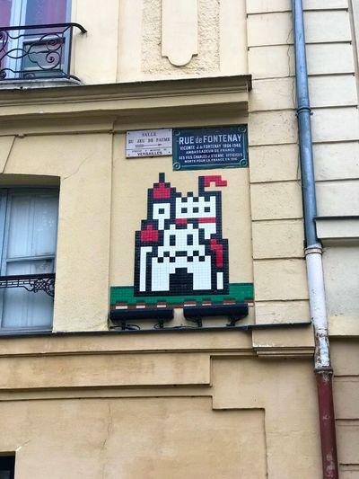 Un château cache l'autre…! Architecture Built Structure Building Exterior No People Wall - Building Feature Day Text