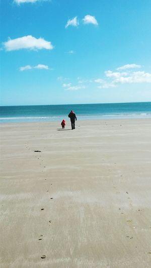 Prendre du recul.... Sea Sea View Mer Ensemble Père Et Fille Father And Daughter Complicity Complicitá Love ....et realiser que le plus important est sous nos yeux Important To Me