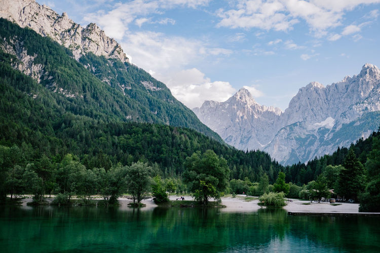 Slovenia, Kranjska Gora Nähe des Triglav Nationalparks Mountain Water Beauty In Nature Scenics - Nature Tranquil Scene Lake Tree Sky Plant Nature Mountain Range Tranquility Non-urban Scene Reflection No People Idyllic Cloud - Sky Day Nautical Vessel Outdoors Mountain Peak Range
